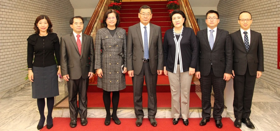 2017/12/7 Chairman LUNDENDORJ Nanzaddorj of the Judicial General Council of Mongolia and His Wife Visited the Academy